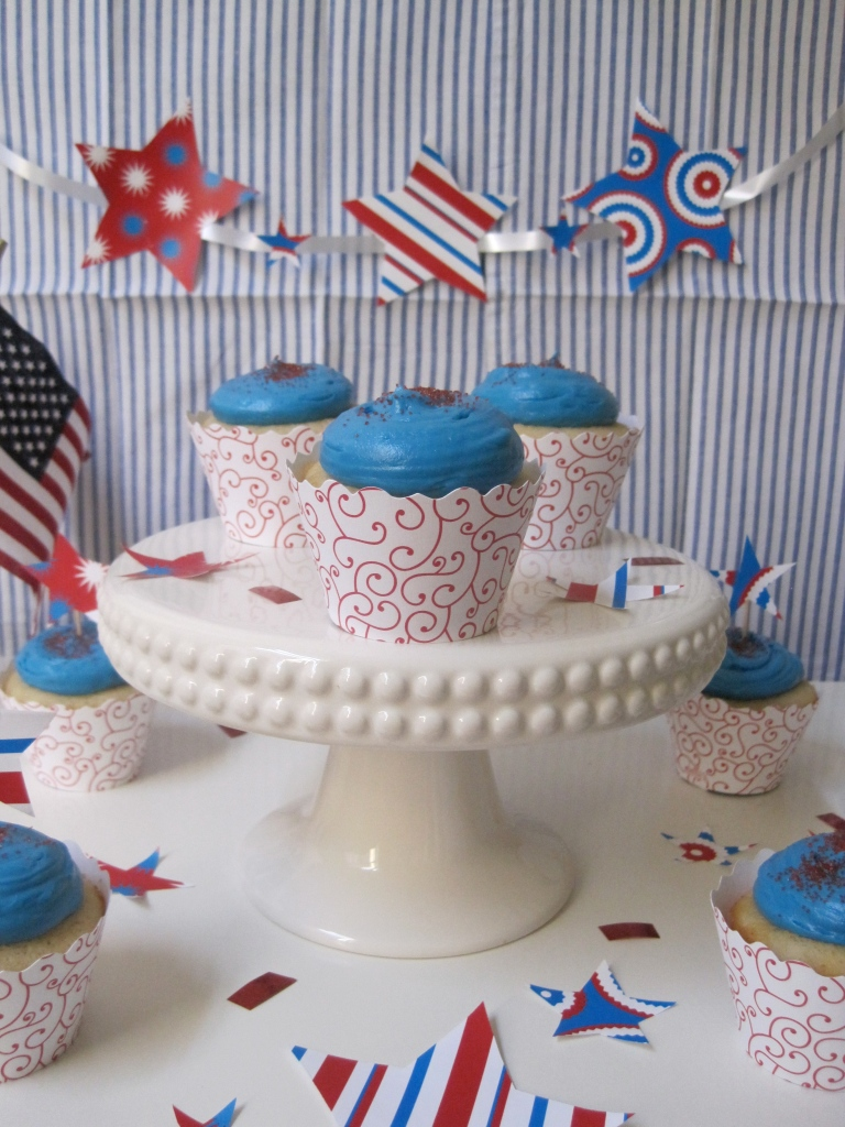 4th of july vanilla cupcakes by the baking cup